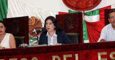 Esquiva Presidenta del Congreso tema de reelección