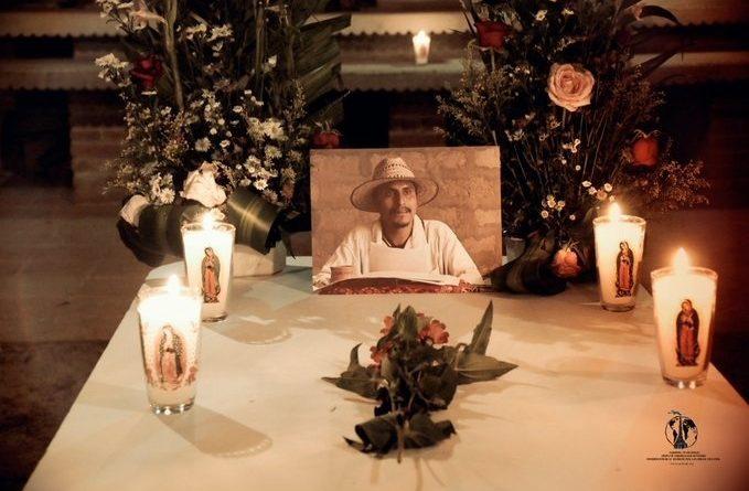 Exhuman restos de Simón Pedro, ex dirigente de Las Abejas